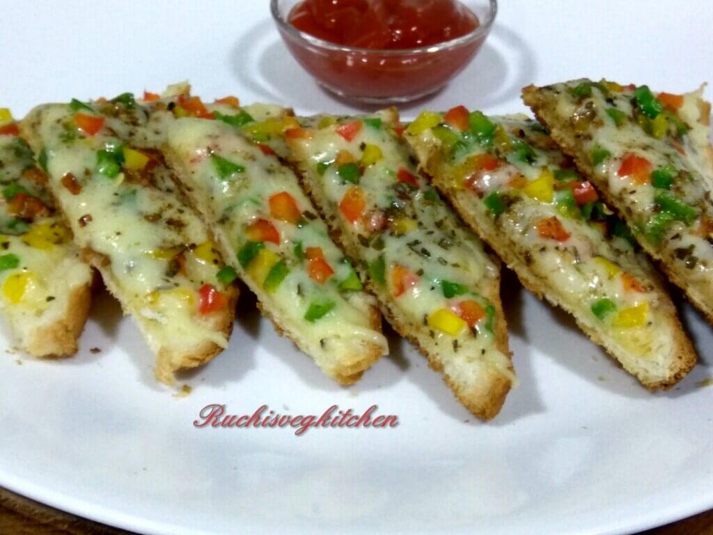 CHILLI CHEESE TOAST (On Tava) – Ruchi\'s Veg Kitchen