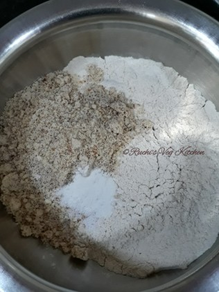 Wheat Almond Cookies