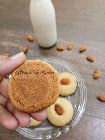 Wheat Almond Cookies